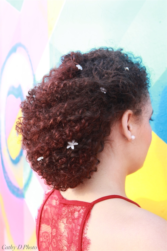 Coiffure Chignon romantique cheveux bouclés Maquilleuse Coiffeuse Photographe Paris